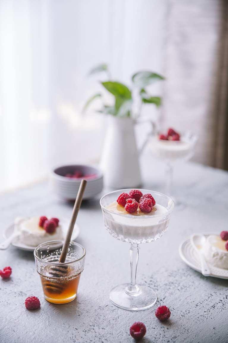 Yogurt Based dessert! (PLAYFUL COOKING) #honey #yogurt #pannacotta