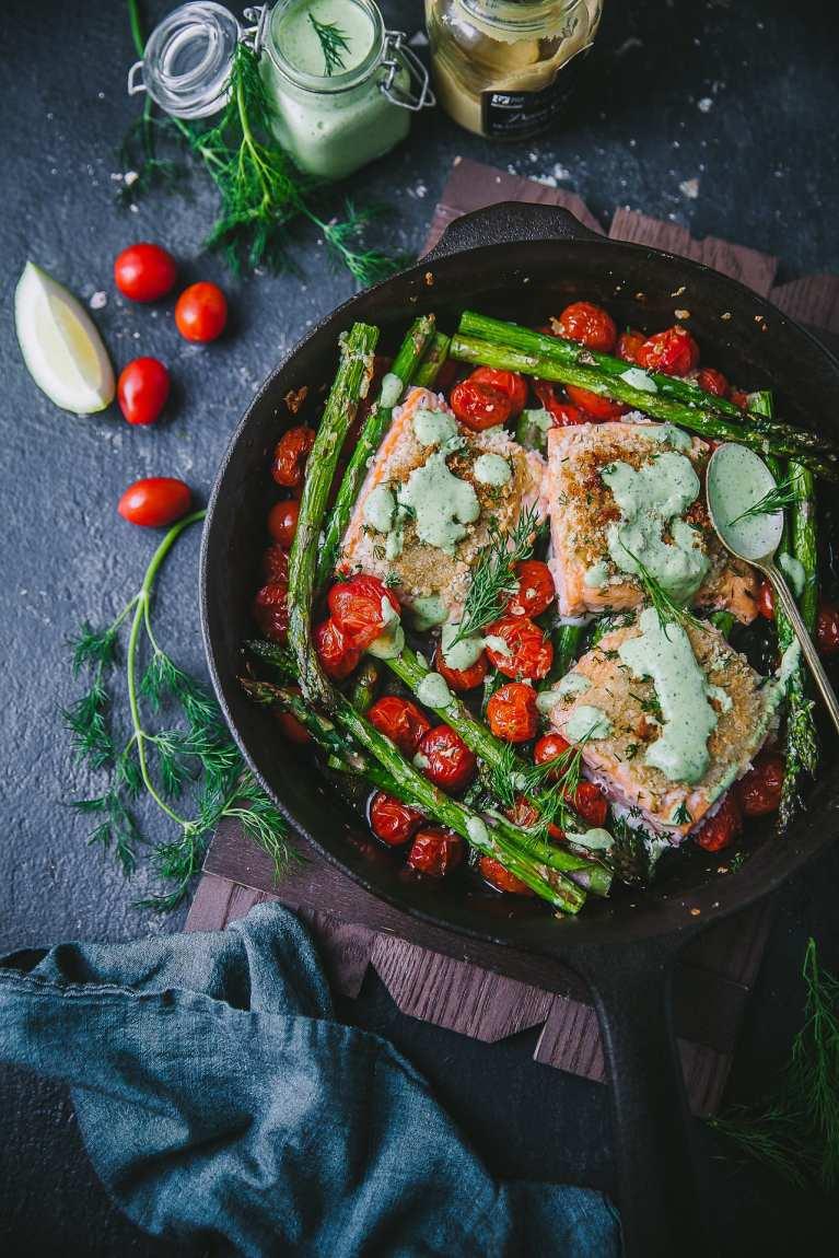 Salmon weeknight meal #asparagus #dill #sidedish #mustard #yogurt