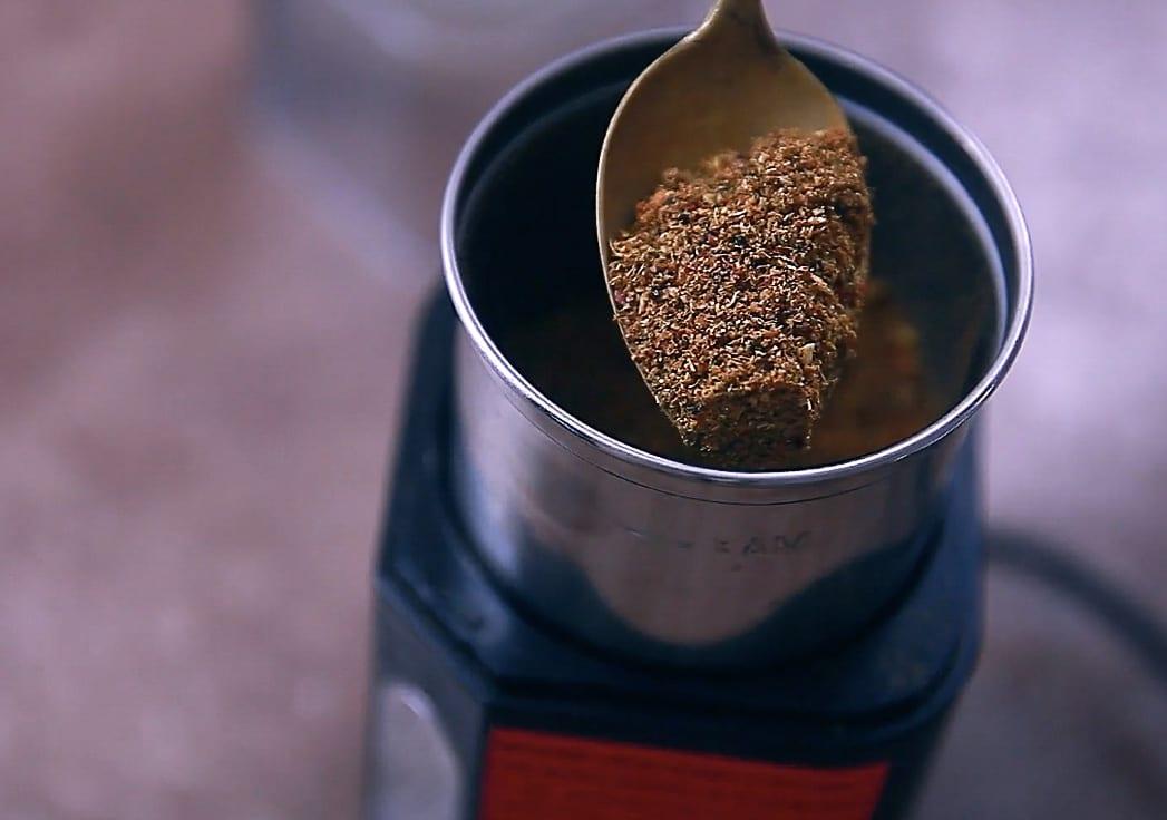 spiced garlic achaar step 02