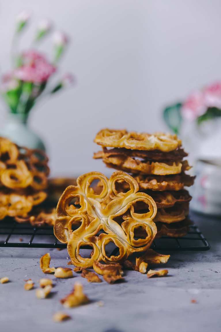 Crispy Tea Time Snack! #playfulcooking #rosecookies #fuljhuripitha #rosettecookies #cripsy #snack #teatime