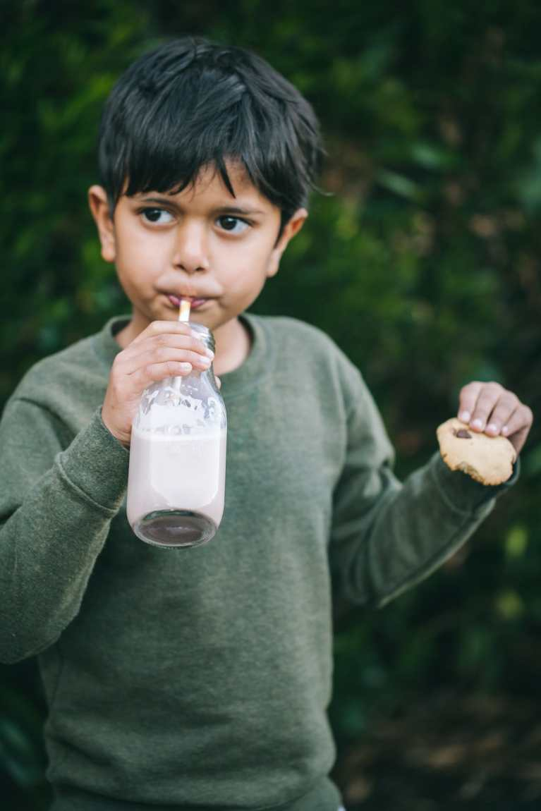 Evening Snack - Kid Photography #phtography #milk #canon #ad #RealMilkMoment #LoveWhatsReal