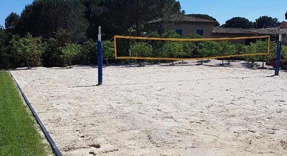Realisation d'un terrain de beach volley a saint-tropez
