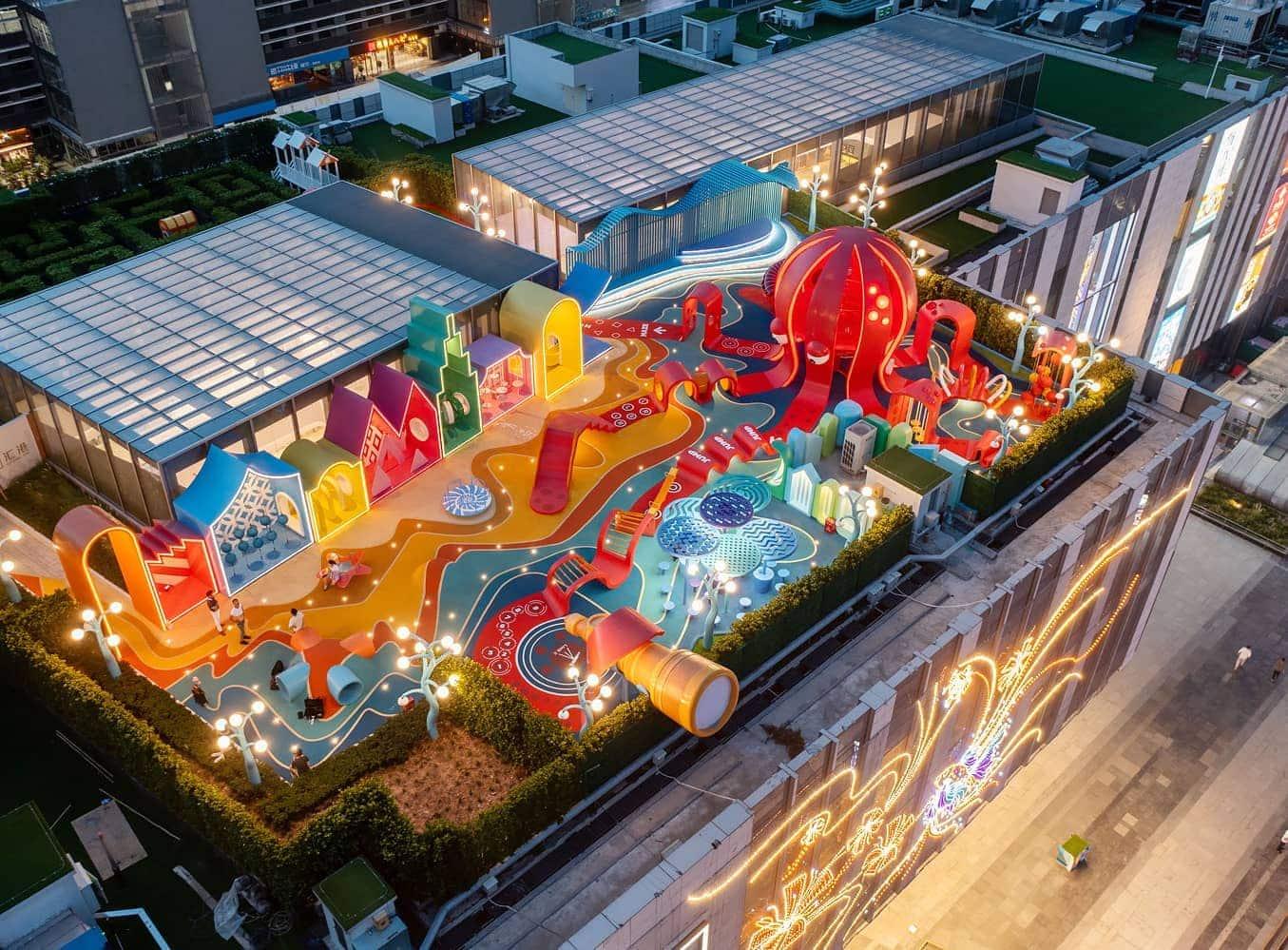 octopus-kingdom-aire-jeu-toit-centre-commercial-drone-1