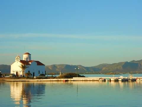 elafonissos-grece-ile-village-chapelle
