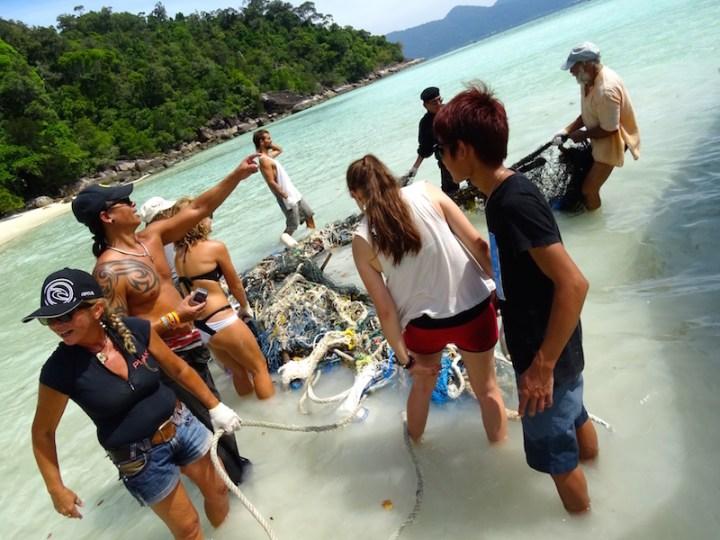 ©playingtheworld-trash-hero-kohlipe-thailande-15
