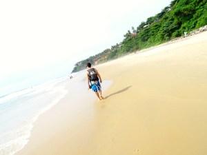 Une photo de plage a varkala en Inde