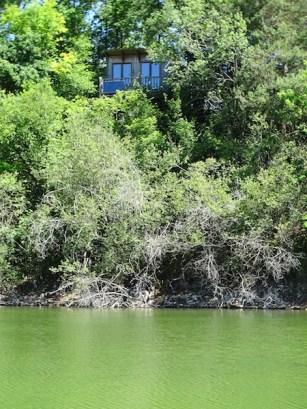 Notre cabane vu du lac...