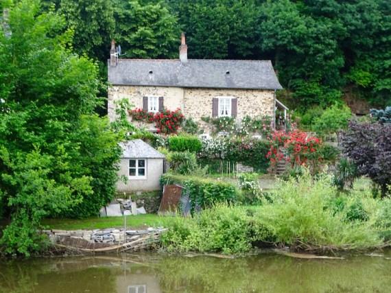©playingtheworld-mayenne-fleuve-bateau-laval (17)