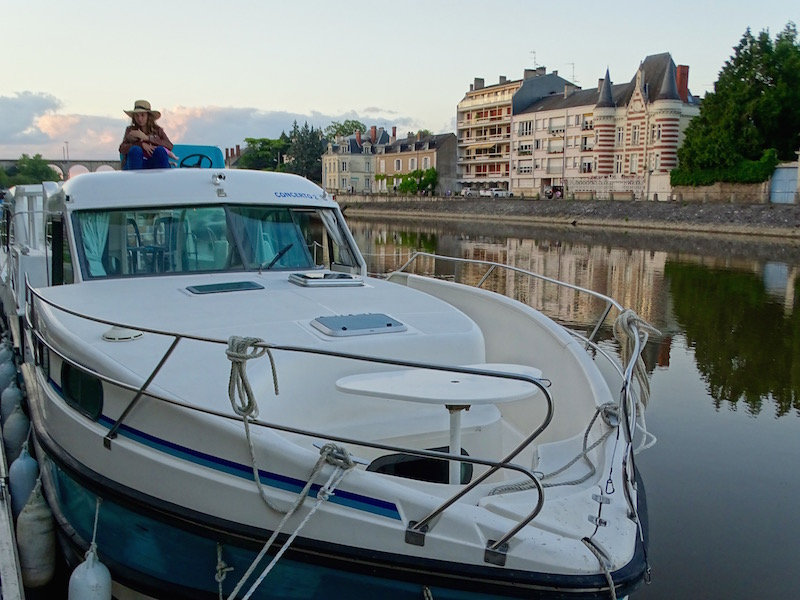 ©playingtheworld-mayenne-fleuve-bateau-laval (4)