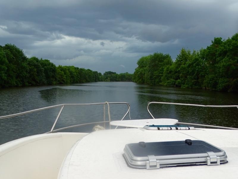 ©playingtheworld-mayenne-fleuve-bateau-laval (74)