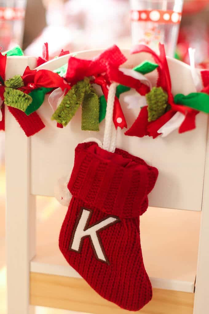 Need some fun Elf on the Shelf goodbye ideas? Love this Elf on the Shelf goodbye breakfast idea, complete with a printable Elf on the Shelf goodbye letter telling your kids to look for the party! Includes everything from fun food and Christmas ideas to Elf on the Shelf party games for kids, gift ideas, and other fun goodbye Elf on the Shelf ideas! I'm definitely doing this with my kids for Christmas this year! Love the candy cane catch game!