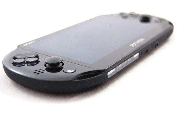 playstation-vita-pch-2000-003
