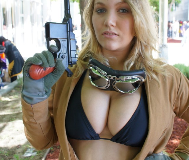 Busty Eva Metal Gear Solid  Cosplay