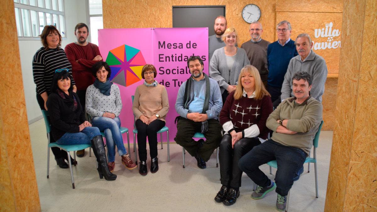 Representantes de los diferentes colectivos que conforman la Mesa de Entidades Sociales