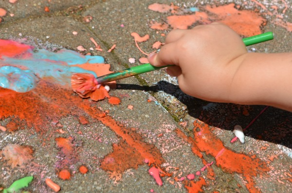 FIZZING Sidewalk Chalk! Sure to wow the kids!