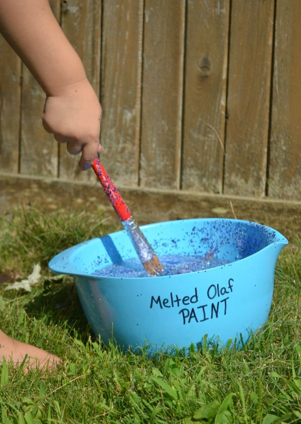 Easy and low-prep activity for Frozen fans - make melted Olaf paint!