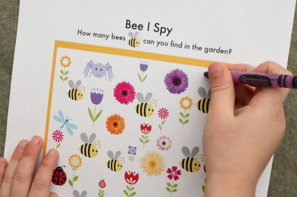 printable I Spy games for kids. Get 60 games to print and play!