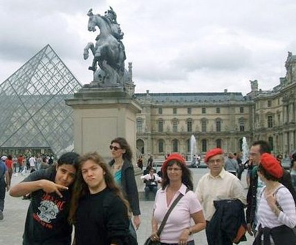 Goofing around in front of the Louvre, 2007. Paulo is on left.