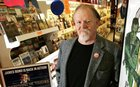 4vCKsj eQOCv6IbXIFzcj2ptG0XpFqOmFcA8YeLRY2g Comic book store owner killed in robbery attempt.