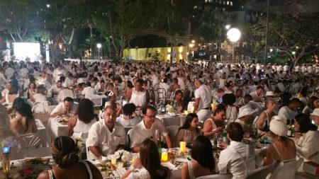 A Sea of White at Diner en Blanc