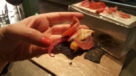 salmon-with-nori-chips-9
