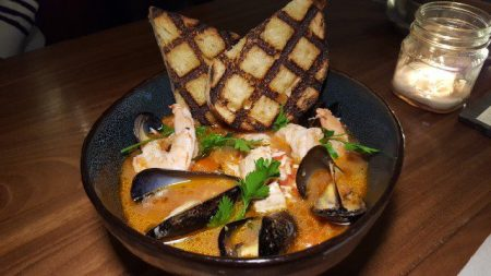 cioppino-shrimp-crab-mussels-firsh-grilled-bread-1
