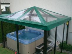 Pavillondach mit Glasklarfenster