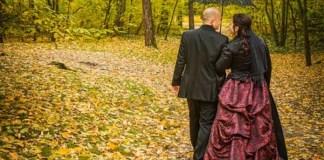 Casal no parque