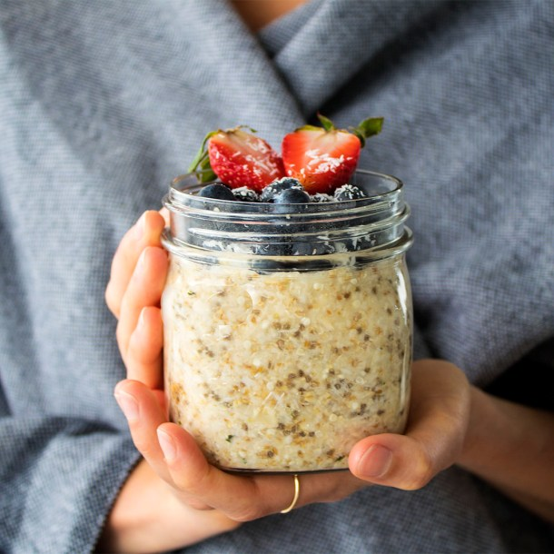 vegan travel overnight oats