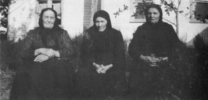 Three Koop sisters. Helena Koop Plett is the one on the left. She is sitting with her sisters, Gertrude and Katherine. Photo Credit: Royden Loewen, Blumenort, 284.