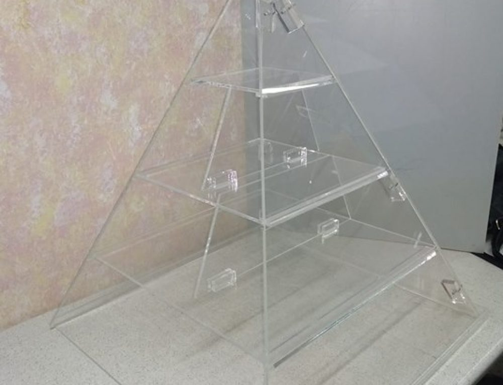 #pyramid  #stand  #nutrition  #plexiglass