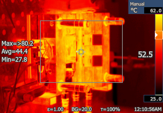 IR-ThermalSystem interacting with Injection Molding Machine. Infrared (IR) Camera for plastic Industry