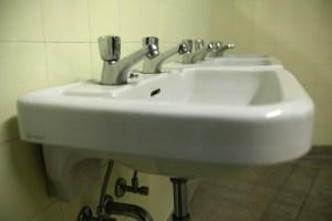 Installation d'appareils sanitaires