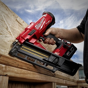 milwaukee m18 fuel nailer 21-degree in action