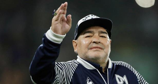 وفاة أسطورة كرة القدم الأرجنتينية دييغو مارادونا عن 60 عامًا