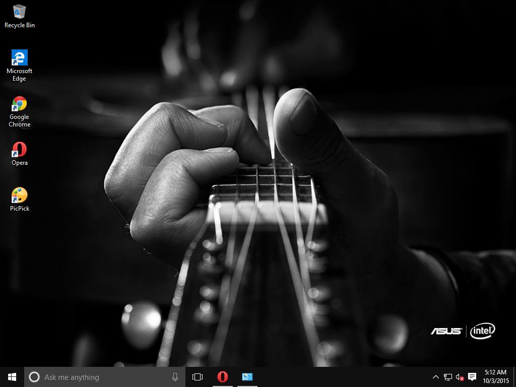 Google themes windows 10 - This Is A Classic Windows 10 Theme Related To Music And All Wallpapers Are Black And White The Images Are Photographed By Don Mccullin Who Has Partnered