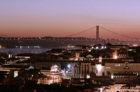 Lissabon bei Nacht - Bild: www.visitlisboa.com