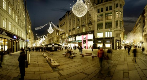 © WienTourismus / Christian Stemper - Christmaslights on the Graben shopping street