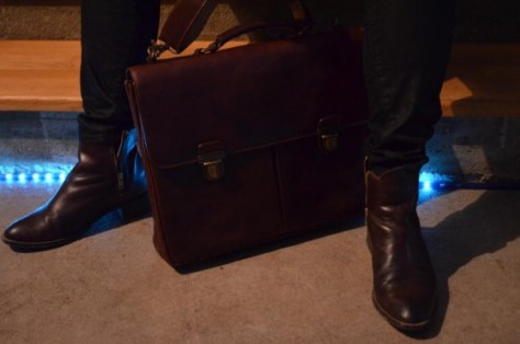 Duet in Cognac: Aktentasche Cambridge & Stiefeletten von Buffalo