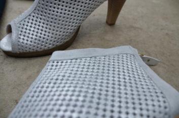 Ankle Bootie aus schimmerndem Velourleder von Liva Loop - MIAMODA