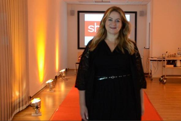 Extra aus London angereist. Anna Scholz kurz vor Beginn des Castings I PlusPerfekt.de