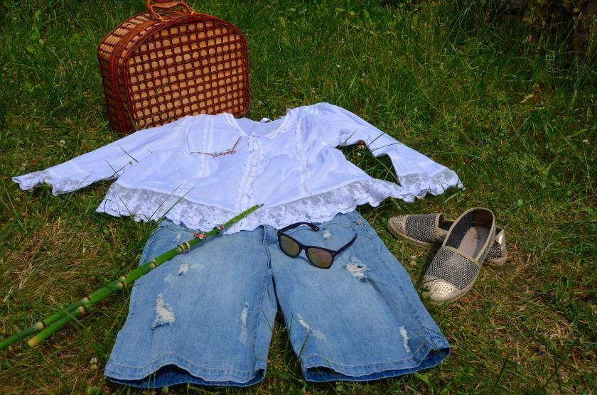 DSC 0131 Weisse Plussize Bluse Shorts Sheego Espandrilles Heine 840 compressor