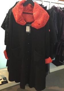 Jacke mit extravagantem Kragen I Curvy Collection von OW by Olivier Wartowski