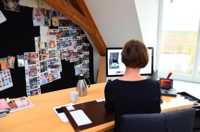 Wir durften Eva Lutz bei der Arbeit über die Schulter schauen I Zu Gast bei Sallie Sahne & Minx
