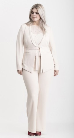 Pants, Blazer und Shirt von Carmakoma I Plus Size Fashion als Dänemark