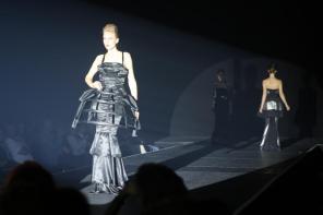 Abendkleid I Kreiert im Rahmen des Modeseminars mit Harald Glööckler I Modeschule Brigitte Kehrer I Bild: PlusPerfekt
