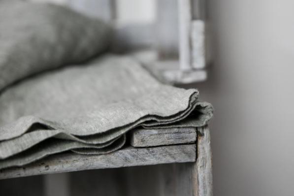 Detailaufnahme I Leinenhose aus der Gudrun Sjöden Kollektion
