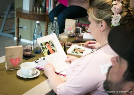 Plus Size Models gesucht! Melanie Hauptmanns bei der Arbeit ... I Indigo-Hotel in Düsseldorf