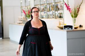 Halbfinalistin beim Casting zur Wahl der Fräulein Kurvig im Indigo-Hotel in Düsseldorf
