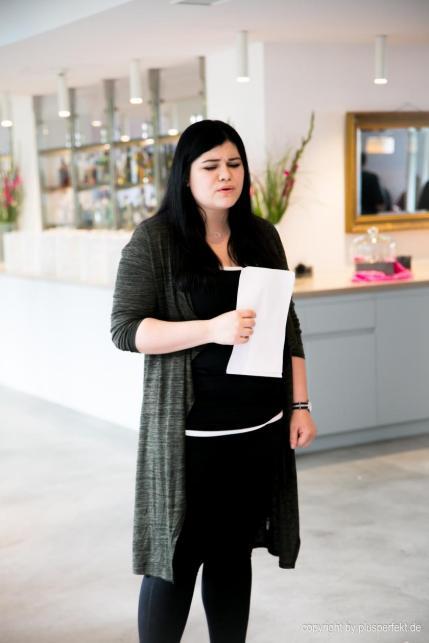 Gesangseinlage bei Plus Size Models gesucht! Casting zur Wahl der Fräulein Kurvig im Indigo-Hotel in Düsseldorf